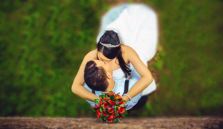 Jak szukać dospawanych sukni ślubnych?