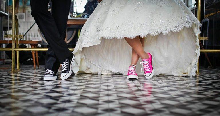 Jak wybierać suknie ślubne z najnowszych kolekcji?