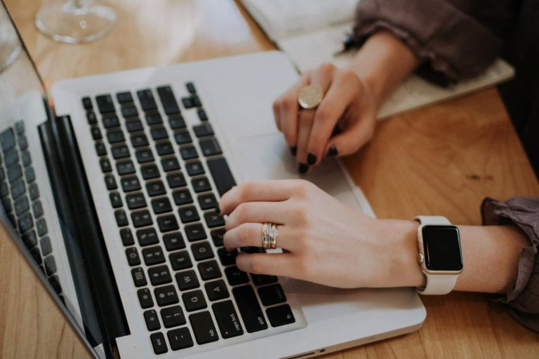 Zacznij drukować pieniądze w swoim własnym biznesie marketingu internetowego